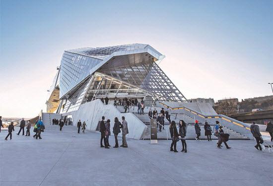 exterieur musee confluences